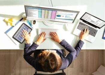 WEF: Orta ve büyük şirketlerde iş sayısı yüzde 40 azalacak