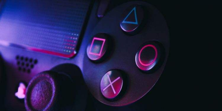 PS4 oyun kolu PS5'te kullanılabilir mi?