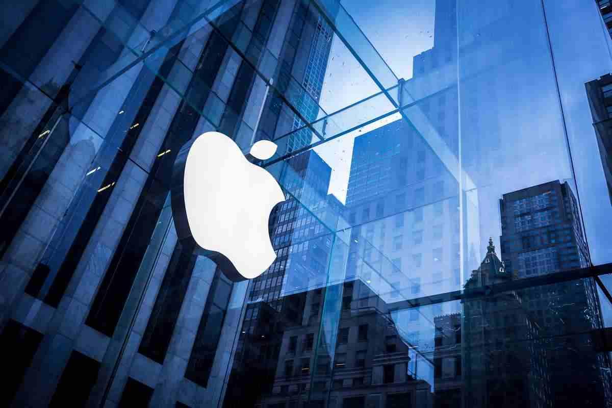 Apple'ın güvenlik şefi rüşvet suçlaması ile karşı karşıya