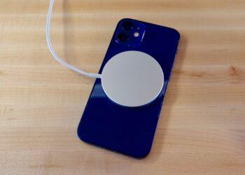 iPhone pil yüzdesi gösterme, özellikle yeni nesil X, 11 ve 12 gibi modellerde Kontrol Merkezi'nden gerçekleştirilebiliyor. Peki hem yeni hem eski iPhone'larda pil yüzdesi açma nasıl yapılır?