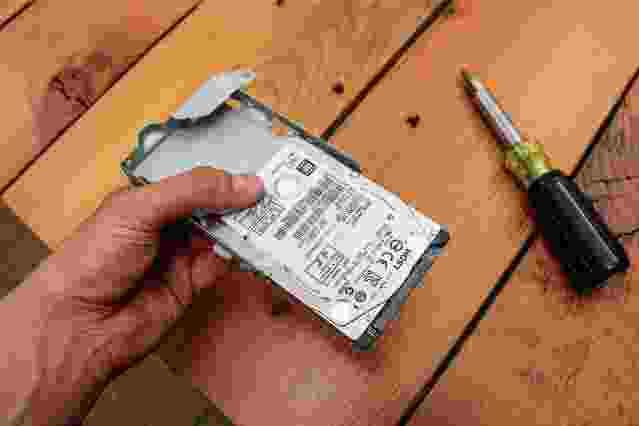 PS4 sabit sürücüsünü SSD'ye yükseltme