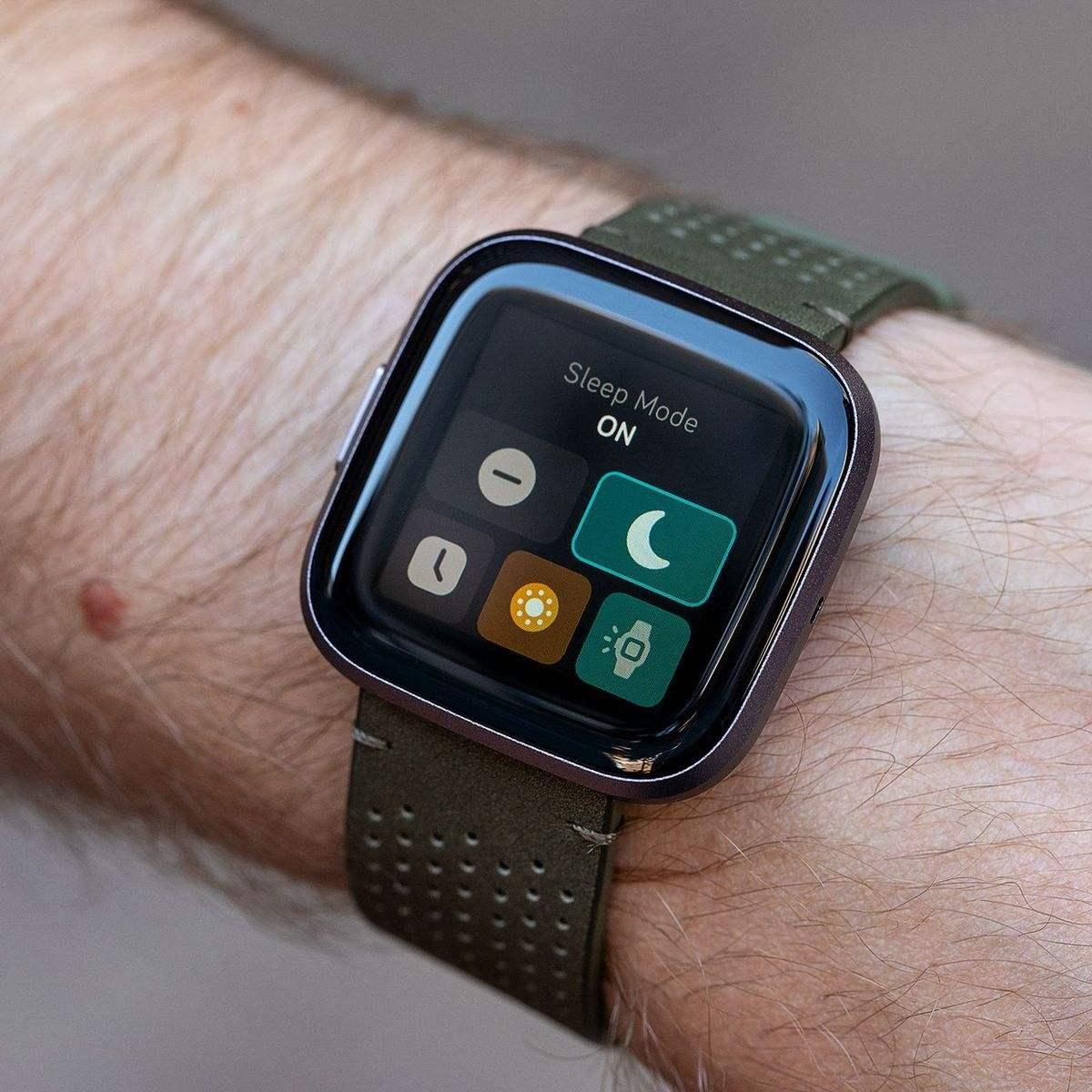Fitbit artık resmi olarak Google'a aittir ve ürün kataloğuna Google Store'dan erişilebilir