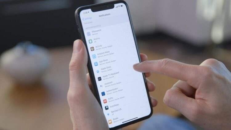 Apple, uygulamaları kullanıcılardan izleme izni istemeye zorlayacak