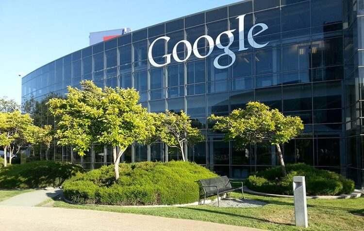 Google, COVID-19 aşısı hakkındaki yanlış bilgilerle mücadele eden projelere 1 milyon dolar fon ayırdı