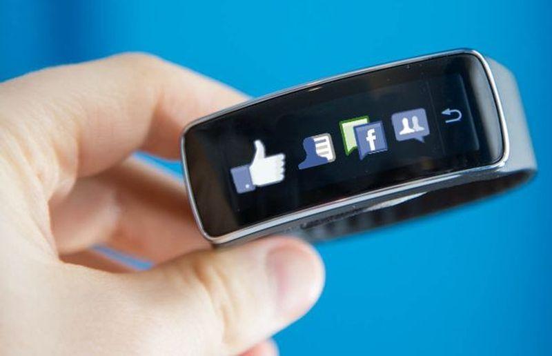 Facebook bir akıllı saat geliştiriyor