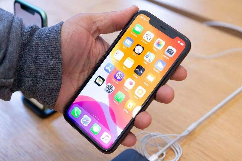 Android'den 4 yıl sonra Apple, iPhone 13'teki çentiği kaldırabilir