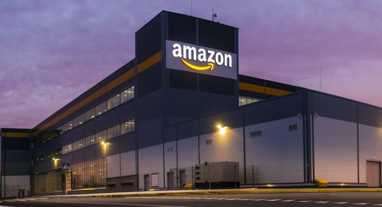 Amazon, AR araçlar ile mobilya satarak IKEA ile rekabet edecek
