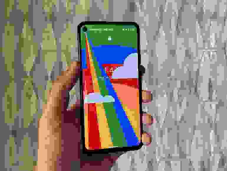 Uyumlu bir akıllı telefona Android 12 nasıl kurulur?
