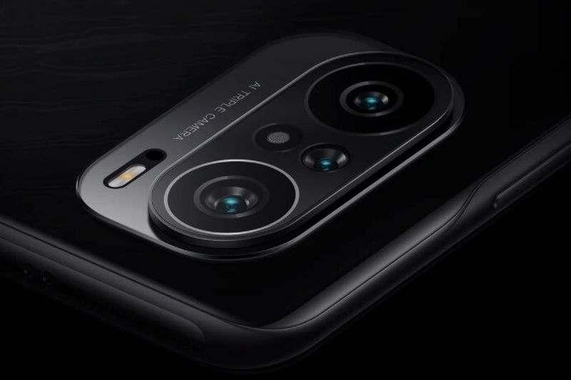 Xiaomi, Redmi K40'ın ilk resmi görüntüsünü 'Black Edition'da gösteriyor.