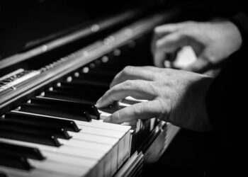 Audeo AI, sessiz piyano videolarını analiz ederek müziği yeniden çalabilecek