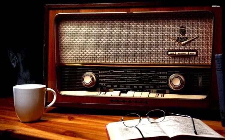 Dünyanın her yerinden canlı radyo kanallarını ücretsiz olarak dinleyebilirsiniz