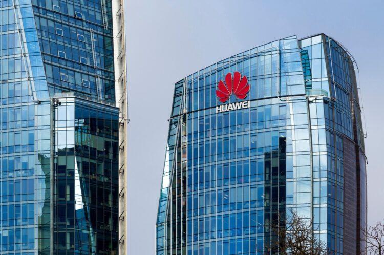 Huawei 2021'de geçen yıla göre yüzde 60 daha az telefon sevkiyatı planlıyor