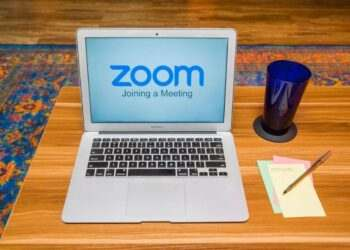 Zoom, görüşme sırasında kullanılabilen yeni yüz efektleri ekledi