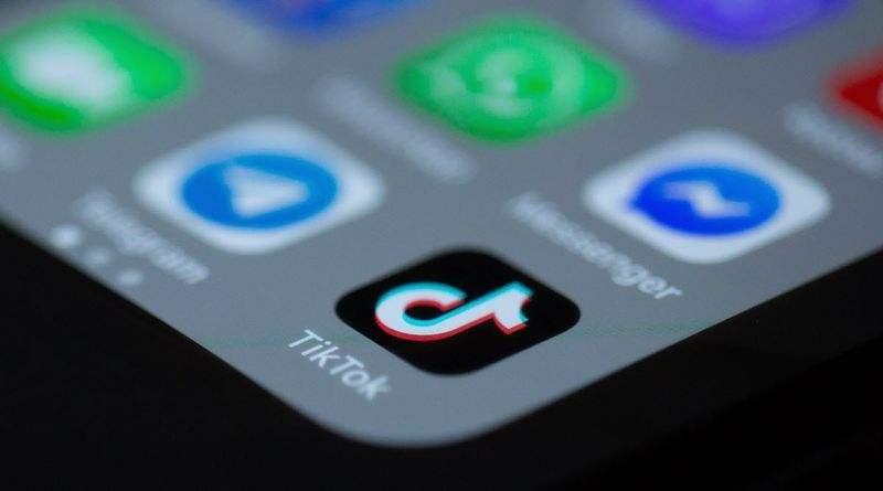TikTok, kullanıcı etkinliğine göre reklam göstermeye başlamak için