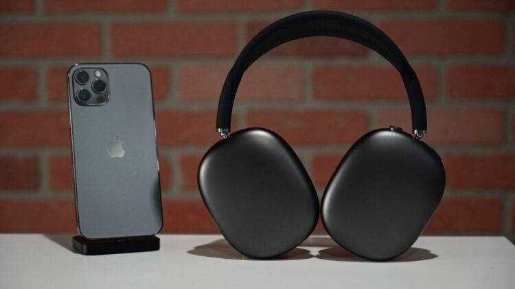 Apple, AirPods Max için yazılım güncellemesi yayınladı