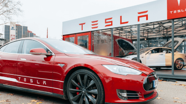 Elon Musk açıkladı: Tesla otomobiller Bitcoin ile satın alınabilecek