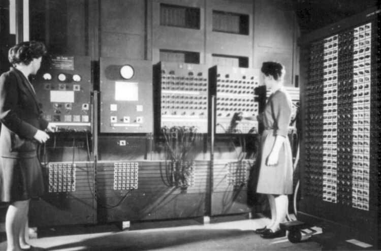 İlk genel amaçlı bilgisayar ENIAC 75 yaşına girdi