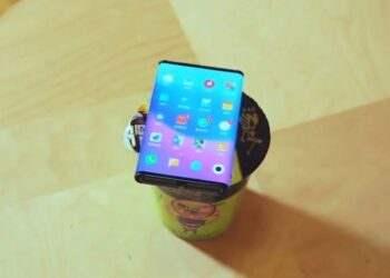 Xiaomi'nin katlanabilir telefonunun yeni görüntüleri ortaya çıktı