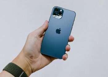 Satış rekorları kırıyor: iPhone 12 tarihteki en başarılı iPhone modeli olacak