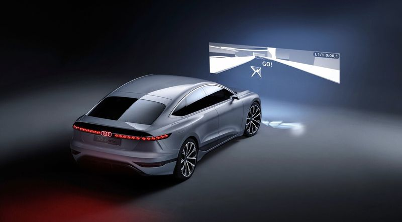 Markanın geleceğini tanımlayan muhteşem bir elektrikli sedan konsepti olan Audi A6 E-Tron