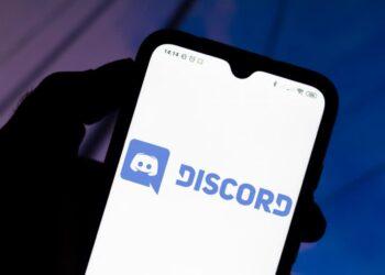 Discord iOS uygulamasında yetişkin sunucuları engelleniyor