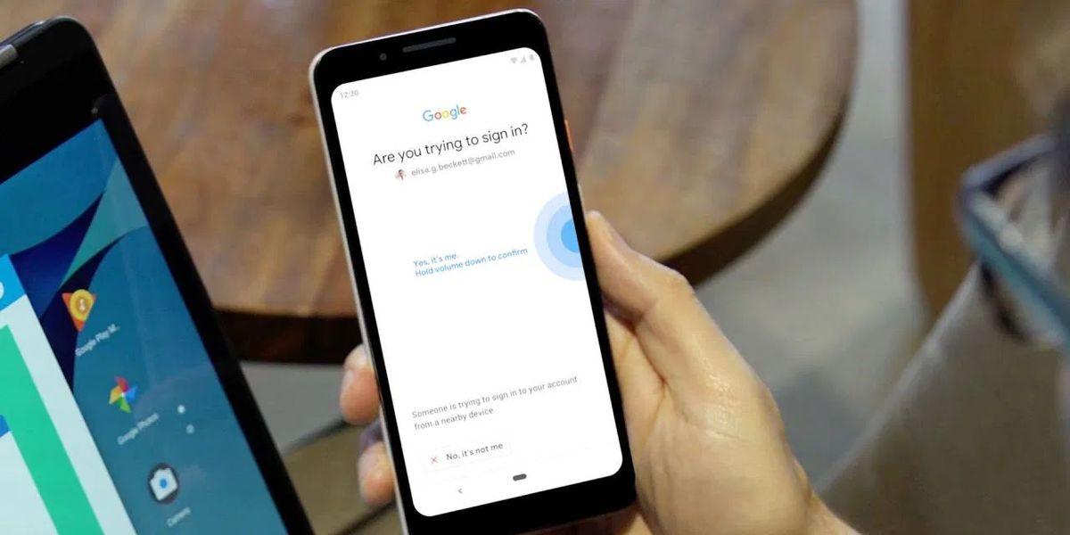 Google, iki adımlı doğrulamayı zorunlu hale getirerek şifreleri ortadan kaldırmak istiyor