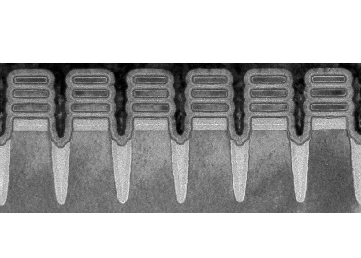 IBM, nanosheet teknolojisine sahip dünyanın ilk 2nm çipini gösterdi