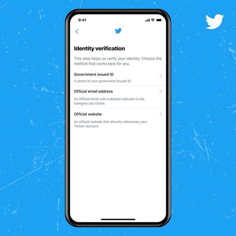 Doğrulanmış rozet (mavi tik) için nasıl başvurulur ve hesabınız Twitter'da doğrulanır?