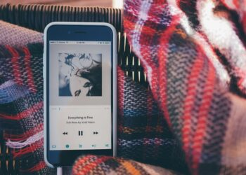 Çevrimdışı oynatma için iPhone'a müzik indirme