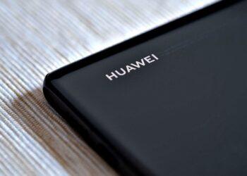 Huawei HarmonyOS 2 Haziran'da akıllı telefonlara ulaşacak