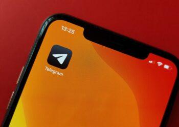 Uygulamadan çıkmadan iPhone'daki Telegram simgesini değiştirme
