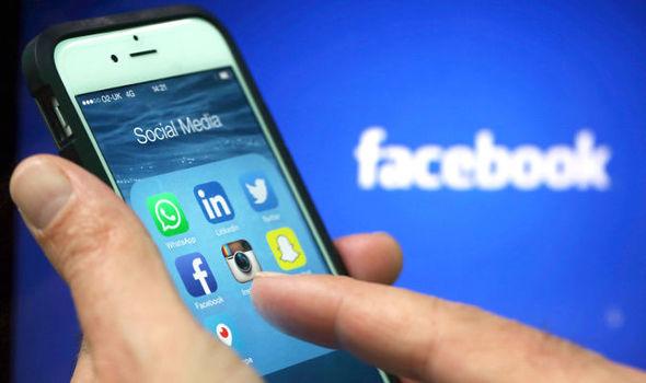 Mobil uygulamada Facebook hesap silme ve kaldırma