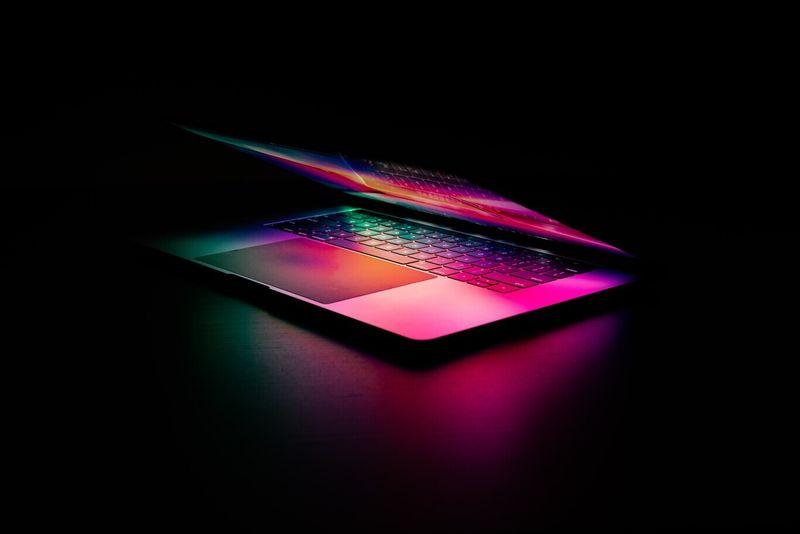 Analist, Apple'ın WWDC'de yeniden tasarlanan yeni MacBook Pro'yu duyuracağını söyledi