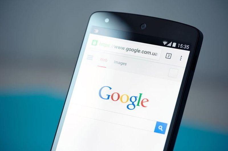 Google, rakiplerinin Android'de ücretsiz olarak varsayılan arama motorları olarak görünmesine izin verecek
