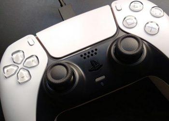 PS5 DualSense denetleyicisi güncelleme