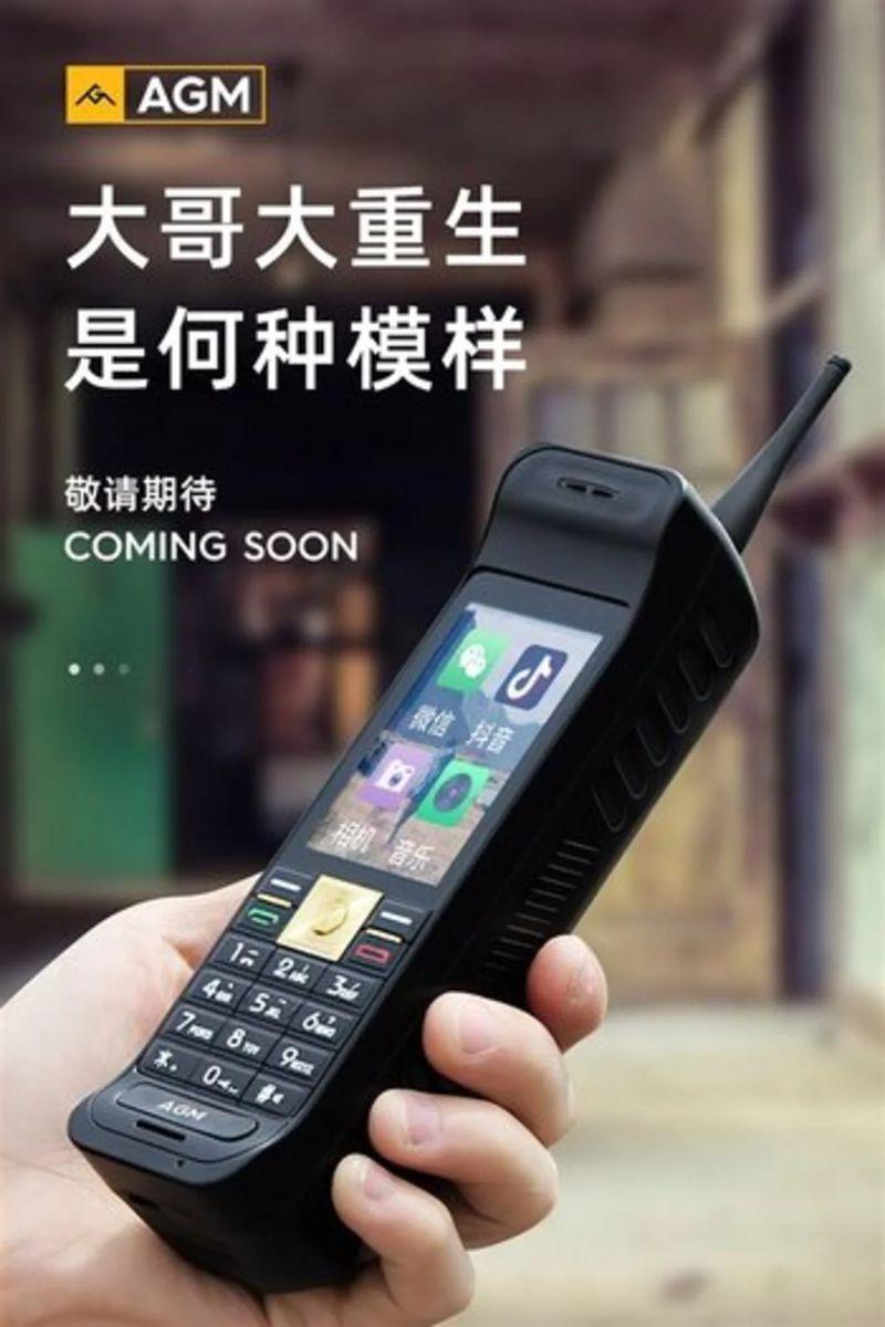 Bu Çinli marka sayesinde tuğla cep telefonu geri döndü