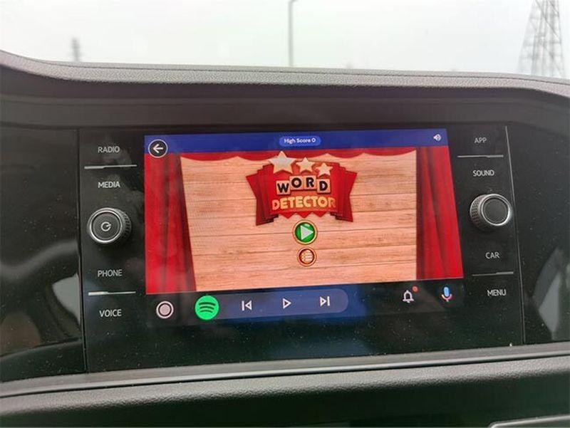 Android Auto mini oyunları: Google, 'GameSnacks' oyunlarını test ediyor