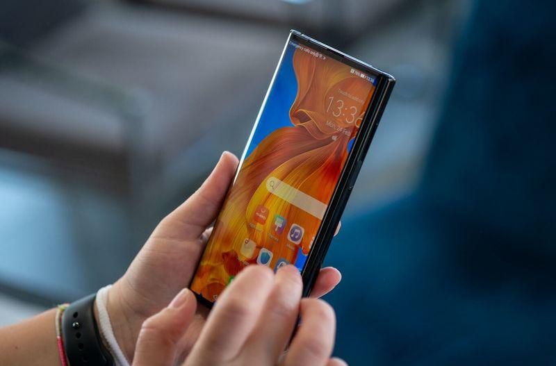 Honor ilk katlanabilir telefonunu piyasaya sürmeye hazırlanıyor