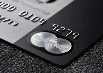 Mastercard manyetik şeritli kredi kartlarını 2024'te kaldırıyor
