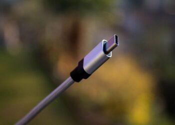 AB, ortak telefon şarjı için 2024'te bastırıyor