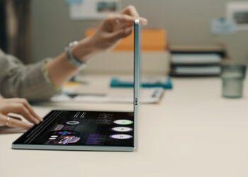 Katlanabilir dizüstü Galaxy Book Fold 17 sızan videoda görüldü