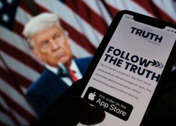 Trump yeni bir sosyal medya platformu başlatıyor: Truth Social