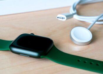 Apple Watch Series 7'de tanılama portu kaldırıldı