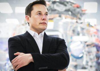 Elon Musk, Starlink'i kurmak için havayollarıyla görüşüyor