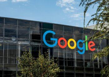 Bing'de en çok aranan kelime Google oldu
