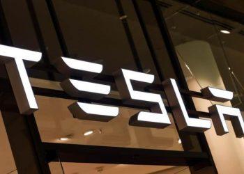 Tesla'nın değeri Hertz'in siparişinden sonra 1 trilyon dolara yükseldi